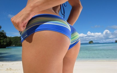 Beach_Sexy_Bump_Wallpaper
